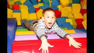 Learn Colors with Baby at the Indoor Playground - Indoor Playground Trampoline Park Family