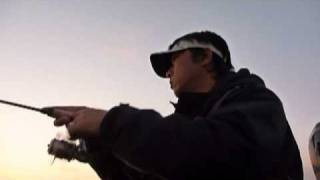 Pontoon Boat Fishing in BIWAKO 20101205.mpg