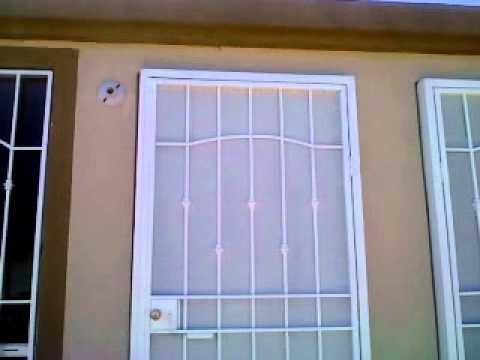 Herreria hjr rejas casa en urbi villa del alamo youtube for Casas con puertas de madera