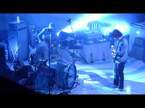 Jack White Steady, as she goes (The Raconteurs) live @ Olympia de Paris 29/06/2014 (1)