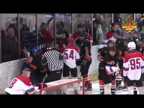 Массовая драка с участием судей на хоккее между Белоруссией и Словакией.