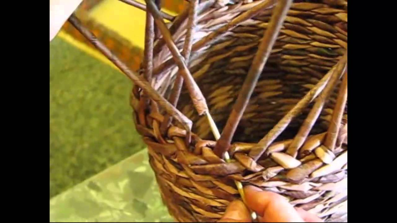 Basket weaving edging : Newspaper basket how to make the edging part