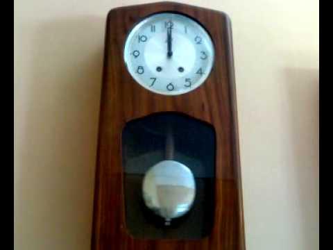 Orologio a pendolo a casa di mia nonna