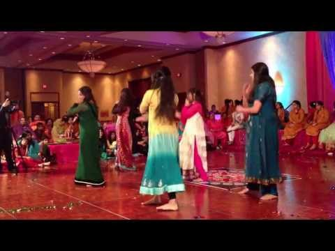 Faria's Mehndi Dance video