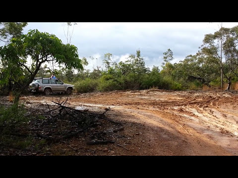 Jeep Grand Cherokee WK2 vs Nissan Patrol GU
