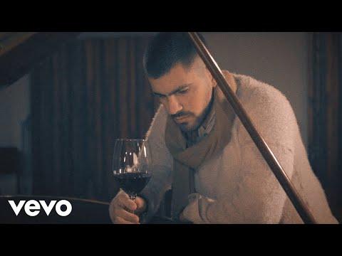 Rombai - Te Extraño :( ([Lado B] - 001 Te Extraño :( (Versión Acústica) - Official Video)