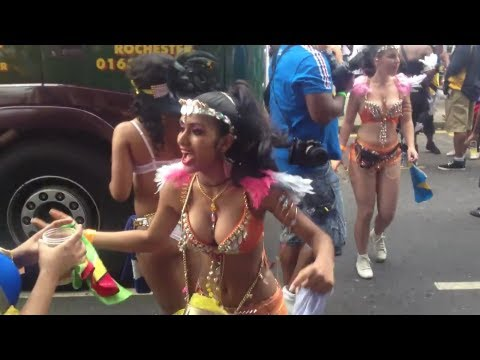 Sexy girls dancing at Notting hill carnival London 2012 #2