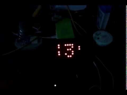 10x8 LED MATRIX DISPLAY USING PIC16F877A AND 4017 JOHNSON DECADE COUNTER