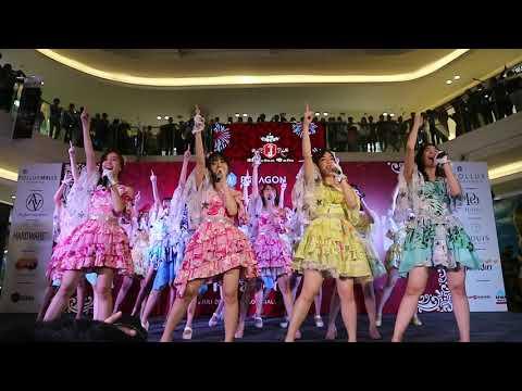 Download JKT48 Circus Team J - Semarang @ Paragon City Mall  Part 1 Mp4 baru