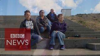 Oregon shooting: Roseburg residents warn 'don't take our guns' - BBC News