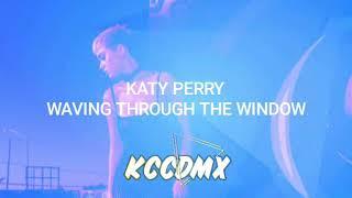 Katy Perry Waving Through A Window En Español