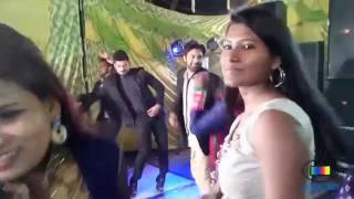 Girls Dance At lucknow Wedding Party  lucknow Girls Dj Dance 2017  Desi Girls Dj Dance