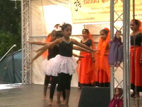 Radhai Manathil - Dance Performed For Swindon Mela 2009 video