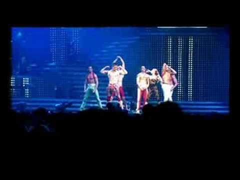 Kylie Minogue - Slow (live)