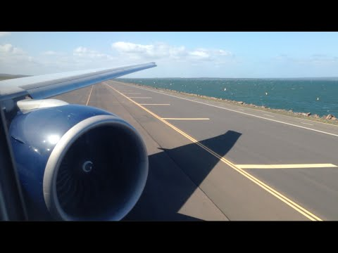 Delta Boeing 777-200LR Landing + Taxi to Gate at Sydney Kingsford-Smith International Airport