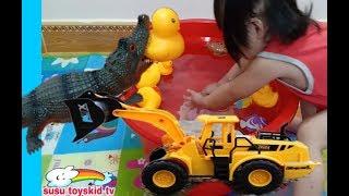 Xe cẩu máy xúc giải cứu vịt con🎸nhạc thiếu nhi 🎸susu toyskid tv🎸cá sấu khủng long minmin