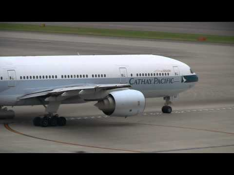 Cathay Pacific Airways Boeing 777-200 B-HNC Take off at Nagoya
