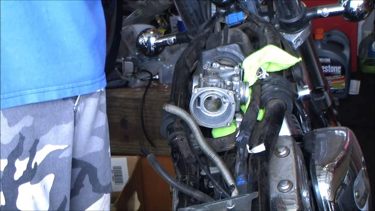Suzuki Intruder Carb Removal