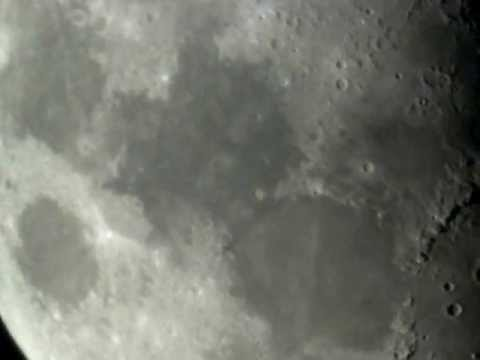 Luna Desde Mi Telescopio (The Moon through my Telescope)