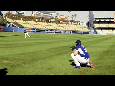 Clayton Kershaw playing catch with Julio Urias - 6/21/16 - Dodgers