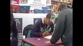 Samy Naceri -séance autographe-