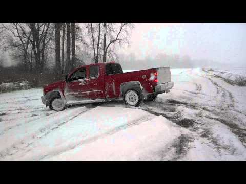 2013 Chevy Silverado winter drifting / sno mudding