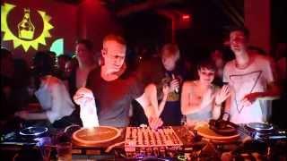 Ben Klock impressing Nina Kraviz with a bass-heavy KILLER @ Boiler Room Berlin