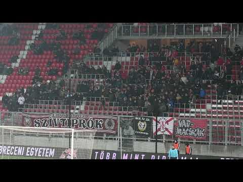 A DVSC szurkolók a DVSC-Paks mérkőzésen - haon.hu