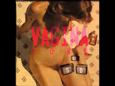 Les écoutilles #1 - Vagina Town