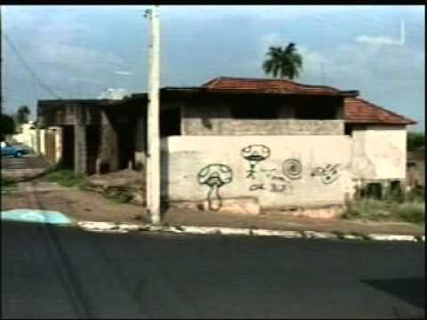 Casa vira ponto de uso de drogas no Centro de Araguari Parte 2