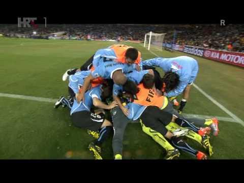"Goal Loco Sebastian Abreu ""Panenka"" style goal from penalty"