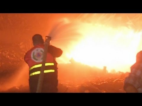 Israeli Airstrikes Hit Gaza (raw footage)