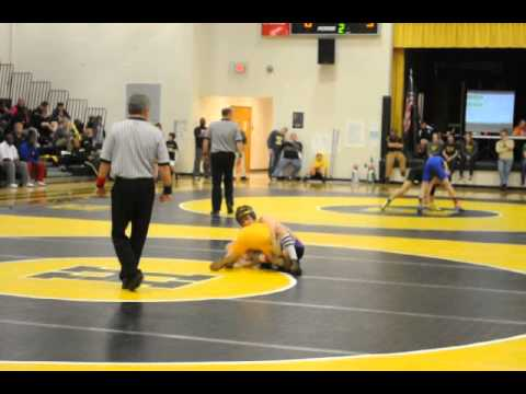 Gavin Gardner wrestling (Sequatchie County 120) VS Hixson High School. Regions 2014