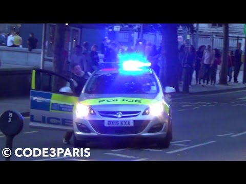London Met Police Car: Officer Asks Driver to Move Forward