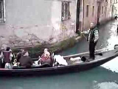 Venice s gondoliers face breathalyser tests after series of complaints