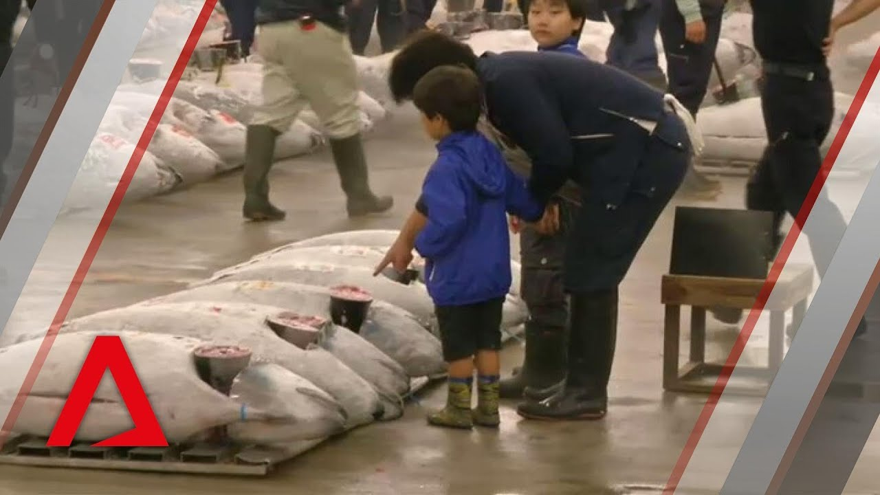 Tsukiji fish market's last day of business
