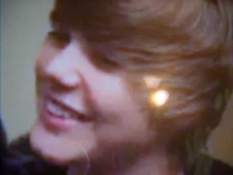 justin bieber cute photos. Justin Bieber#39;s cute laughing!