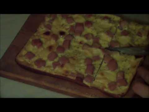 Нежный пирог с сыром и ветчиной (по Дюкану)