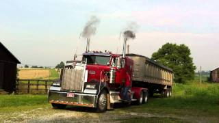 Kenworth W900 start up.