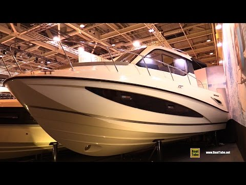 2016 Quicksilver Activ 855 Motor Boat - Walkaround - 2015 Salon Nautique de Paris