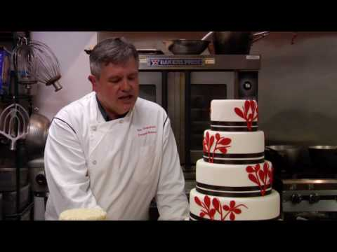 Wedding Cakes : How to Make Professional Wedding Cakes
