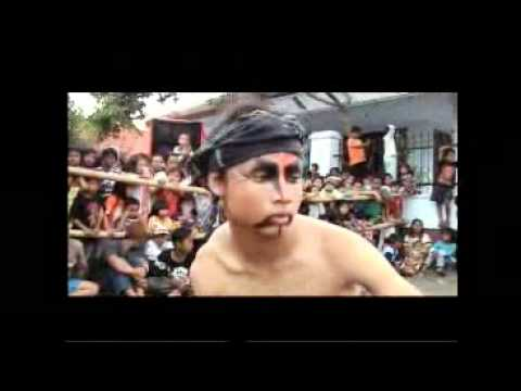 Jaran Kepang Temanggung - Full Kesurupan -traditional Dance In Jin Possessed Temanggung 01 (01-04) video