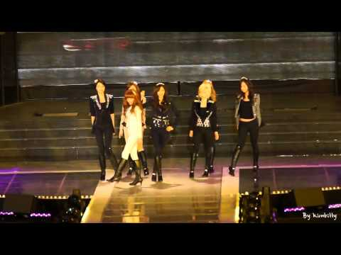 120311 K-Collection in Seoul : 소녀시대(Girls' Generation) - MR.TAXI