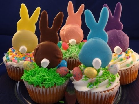 Decorating Cupcakes :  Easter Bunnies