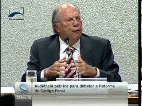 Reale Júnior expõe contradições e falhas do texto da reforma do Código Penal