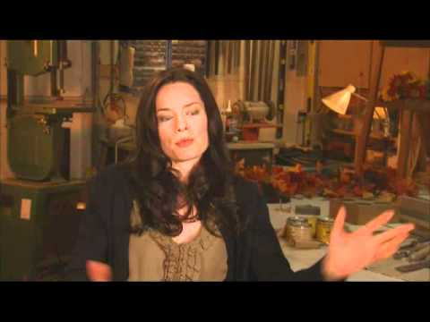EXCLUSIVE - A FAMILY THANKSGIVING - Hallmark Channel Original Movie - Gina on Claudia's lesson