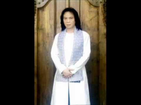 Thala'al Badru Alaina chrisye.wmv video