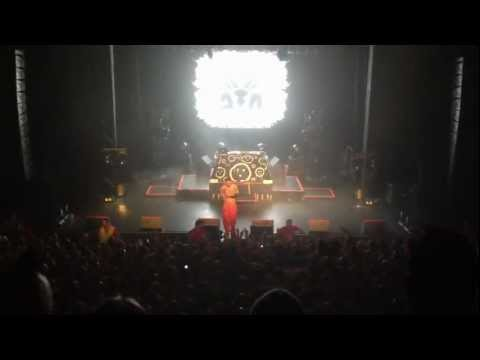Die Antwoord - Hey Santa Claus (Kevin Bloody Wilson Cover), Enmore Theatre, 9th March 2012