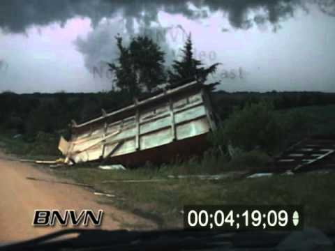 5/22/2004 Storm Chasing Footage Of Tornadic Storm Stock Video
