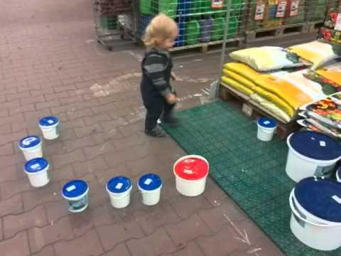 Михаил Романович в строительном магазине